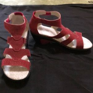 New Jambu Sandals 8 1/2